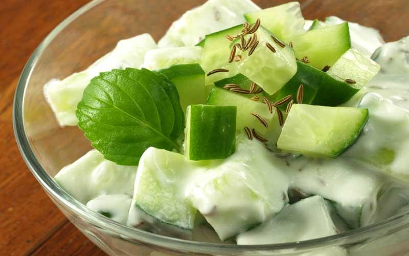 Σαλάτα με Αγγούρι και Τυρί Κρέμα